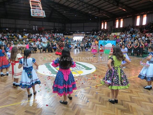 Gala Folclórica Escolar (3)