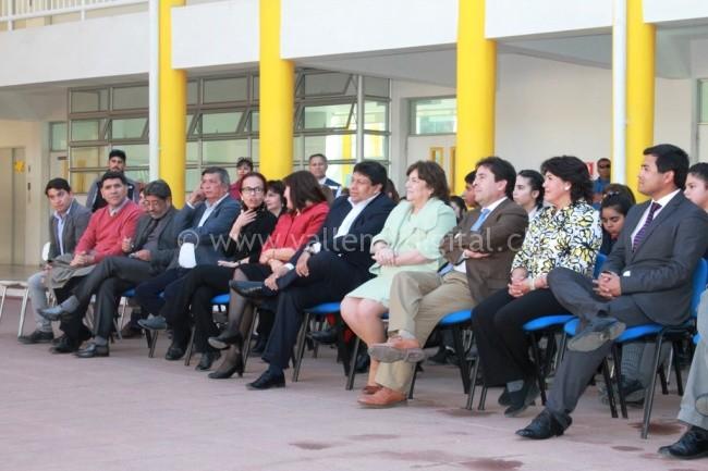 Emtrega reconocimiento Excelencia Académica 2016  (2)